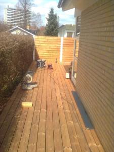Terrasse og hegn